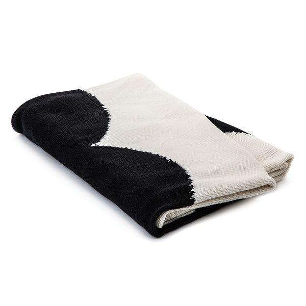 Amoroso black heart baby blanket