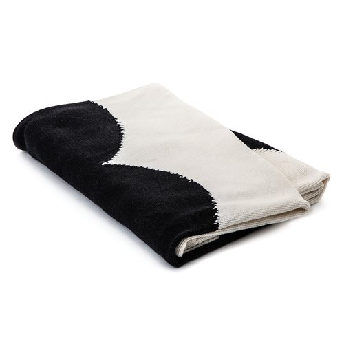 Amoroso black heart baby blanket